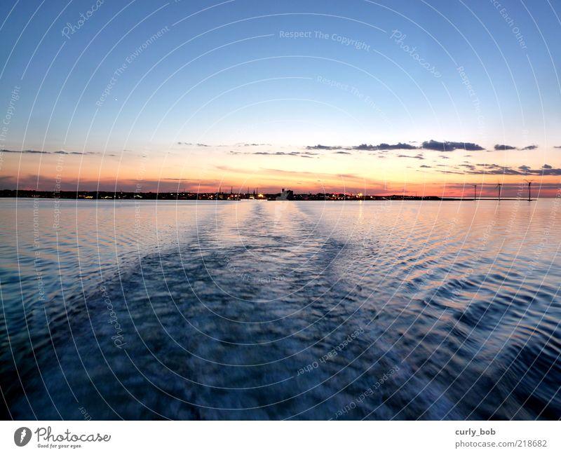 Abfahrt Natur Wasser Himmel Meer Ferien & Urlaub & Reisen Wolken Ferne Freiheit Luft Küste Wellen Horizont Verkehr Hafen Windkraftanlage Skyline