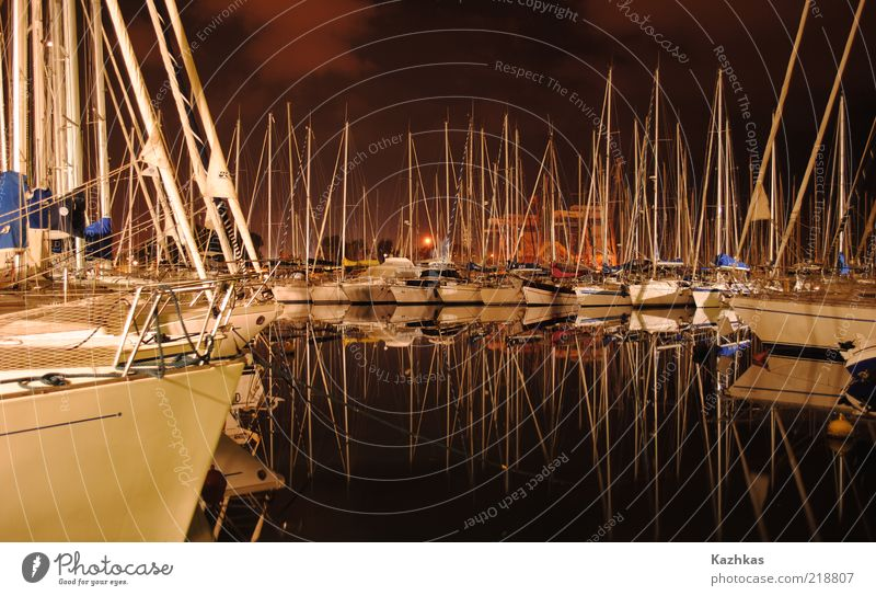 Wasser weiß rot schwarz Gebäude Seil Europa Italien Hafen Schönes Wetter Sehenswürdigkeit Wassersport Mensch Jacht mediterran maritim