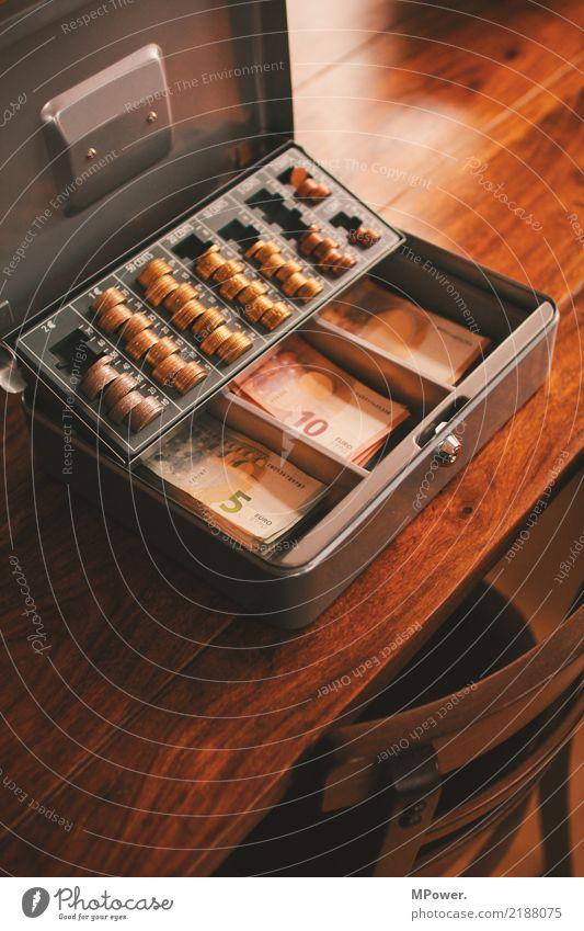 kasse Kasse Tresor Holz Zeichen Ziffern & Zahlen Geld Eurozeichen Schloss Arbeit & Erwerbstätigkeit Erfolg Kapitalwirtschaft Überwachung Geldmünzen Geldscheine