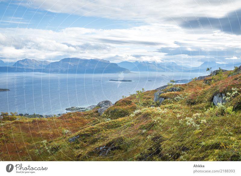 Blick auf norwegische Küste, Harstad Ferien & Urlaub & Reisen Landschaft Wolken Herbst Berge u. Gebirge Nordsee Meer Insel Fjäll Skandinavien Erholung ruhig