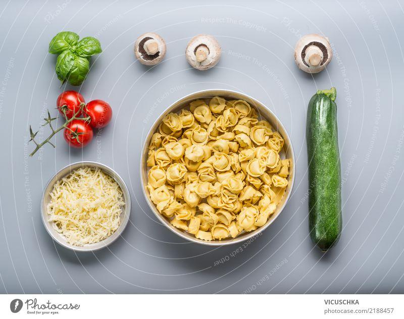 Tortellini mit Gemüse Zutaten Lebensmittel Teigwaren Backwaren Ernährung Mittagessen Italienische Küche Geschirr Schalen & Schüsseln Stil Design