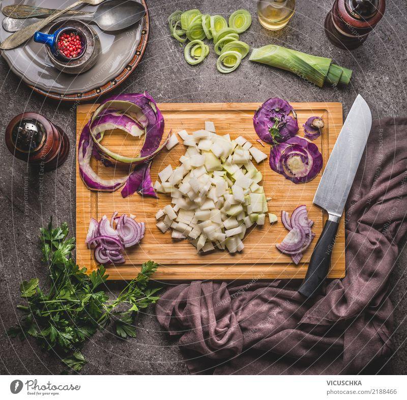 Kochen mit Kohlrabi Lebensmittel Gemüse Salat Salatbeilage Suppe Eintopf Kräuter & Gewürze Öl Ernährung Mittagessen Abendessen Bioprodukte
