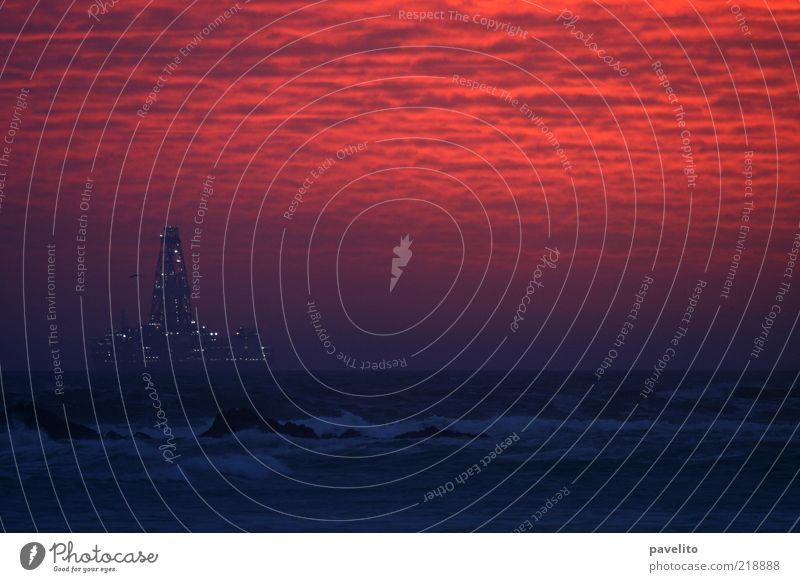 Wer backt'n da Kuchen? Wasser rot Meer Wärme Wellen Horizont Felsen Zukunft außergewöhnlich Bucht Reichtum Zukunftsangst Abenddämmerung Interesse Sorge Brandung
