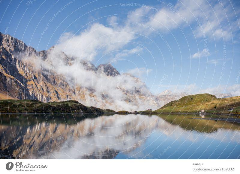 Trübsee Umwelt Natur Landschaft Himmel Sommer Schönes Wetter Alpen Berge u. Gebirge See außergewöhnlich Tourismus Reflexion & Spiegelung Gebirgssee trübsee
