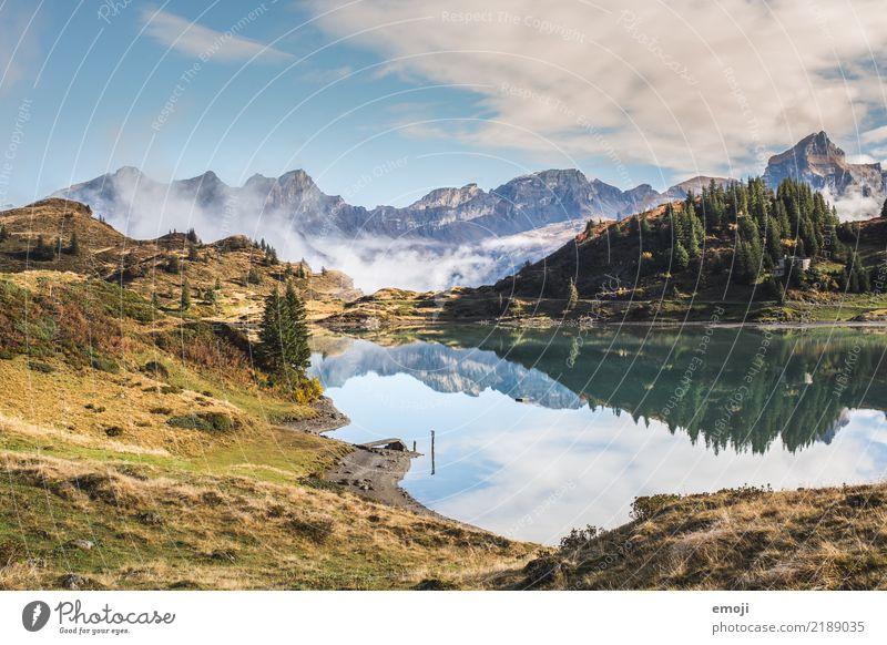 Trübsee Umwelt Natur Landschaft Himmel Sommer Schönes Wetter Alpen Berge u. Gebirge See außergewöhnlich Tourismus Reflexion & Spiegelung Gebirgssee trüb Schweiz