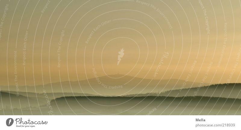 Morning has Brocken Umwelt Natur Landschaft Himmel Sonnenaufgang Sonnenuntergang Nebel Hügel Berge u. Gebirge Ferne frei natürlich Sehnsucht Heimweh Fernweh