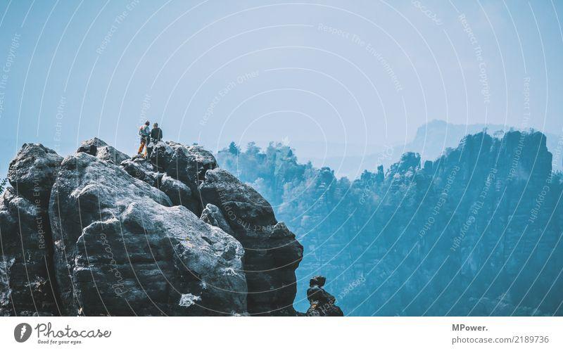 gipfelstürmer Mensch Natur Ferien & Urlaub & Reisen Landschaft Ferne Berge u. Gebirge Umwelt Lifestyle Sport Tourismus Freiheit Felsen oben Ausflug