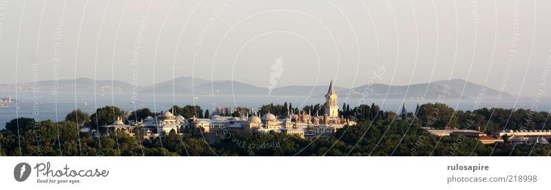 Istanbul View #1 Wasser Meer Stadt Ferien & Urlaub & Reisen Ferne Berge u. Gebirge Landschaft Luft Tourismus Reisefotografie Hügel Burg oder Schloss Wahrzeichen
