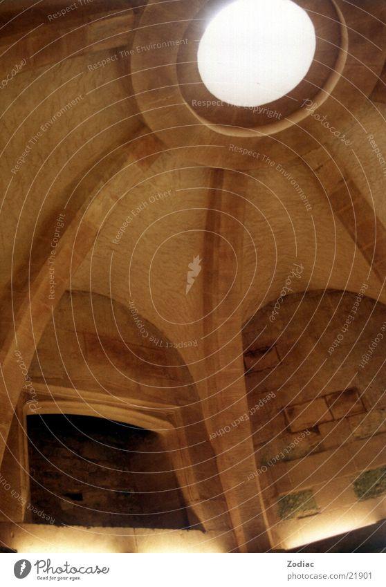 Burgkuppel Architektur Frankreich Kamin Kuppeldach Normandie