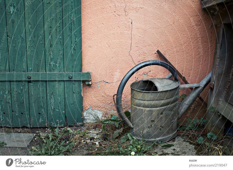 Kanne Freizeit & Hobby Garten Gartenarbeit Gießkanne Metall alt authentisch dreckig einfach natürlich trist trocken Nostalgie Verfall Vergangenheit