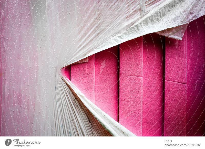 Spannung Verpackung Kunststoffverpackung Kasten Folie Linie Streifen Riss graphisch rosa weiß aufreißen kaputt Styropor Farbfoto Außenaufnahme Nahaufnahme