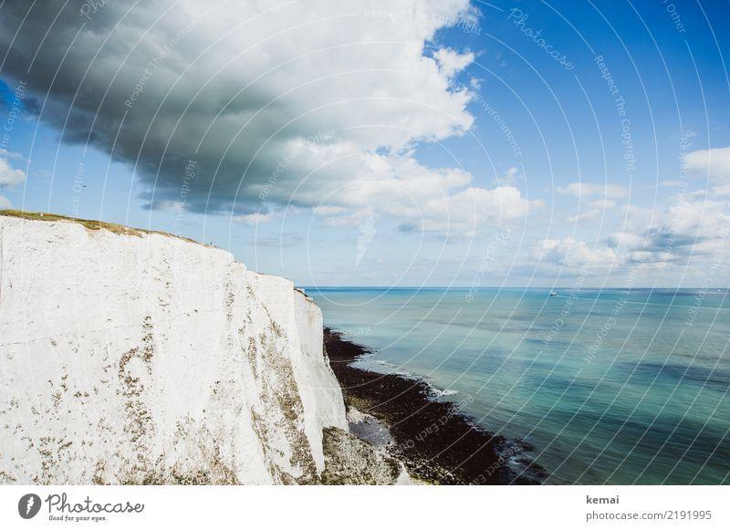 Die weißen Klippen von Dover Himmel Ferien & Urlaub & Reisen Sommer schön Wasser Landschaft Meer Erholung Wolken ruhig Ferne Küste Freiheit Felsen Ausflug