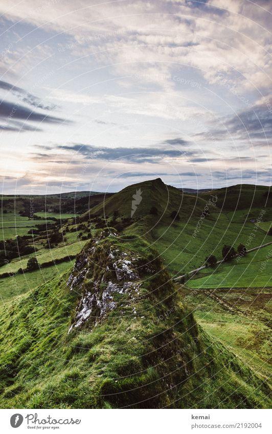 Hügelig Sinnesorgane Erholung ruhig Ausflug Abenteuer Ferne Freiheit Natur Landschaft Himmel Wolken Sommer Wetter Gras Wiese Felsen Gipfel England authentisch