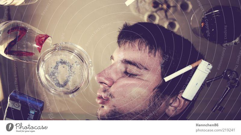 schön gefeiert? Mensch Jugendliche Junger Mann 18-30 Jahre Erwachsene Gesicht Party maskulin Dekoration & Verzierung authentisch Glas kaputt schlafen Zeichen