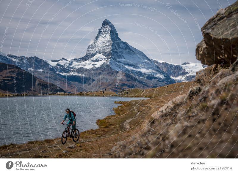 MTB vor dem Matterhorn Sport Fitness Sport-Training Fahrradfahren Mountainbike feminin Körper 1 Mensch Umwelt Natur Pflanze Urelemente Erde Wasser Herbst Klima