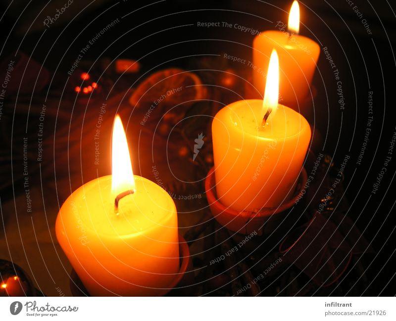 Kerzenschein Licht Wachs Häusliches Leben Weihnachten & Advent Dekoration & Verzierung Lichterscheinung hell Lampe Flamme Brand Kerzendocht orange