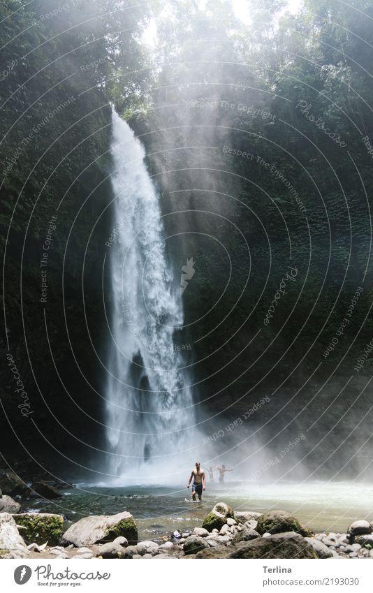 Wasserfall Mensch Natur Ferien & Urlaub & Reisen Sommer schön Landschaft Erholung Leben Bewegung Tourismus Freiheit Menschengruppe Schwimmen & Baden ästhetisch