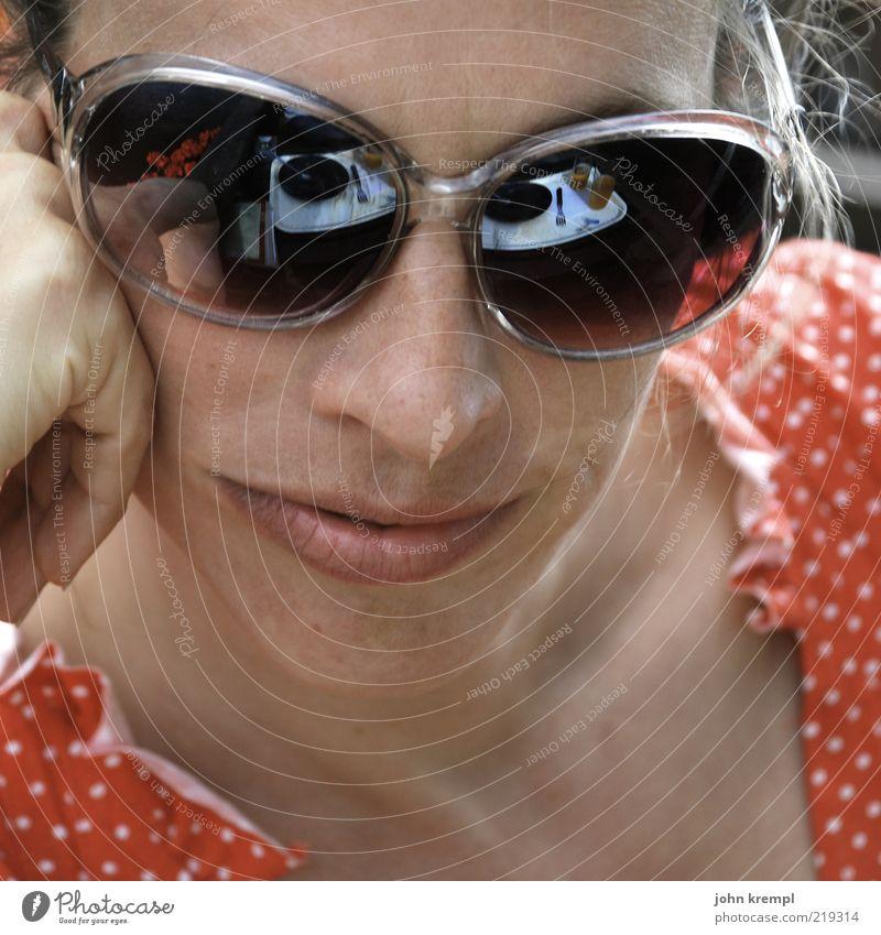 250 | jane's addiction Mensch feminin Junge Frau Jugendliche Gesicht 1 Kleid Sonnenbrille Freundlichkeit Glück trashig verrückt rot Lebensfreude schön klug