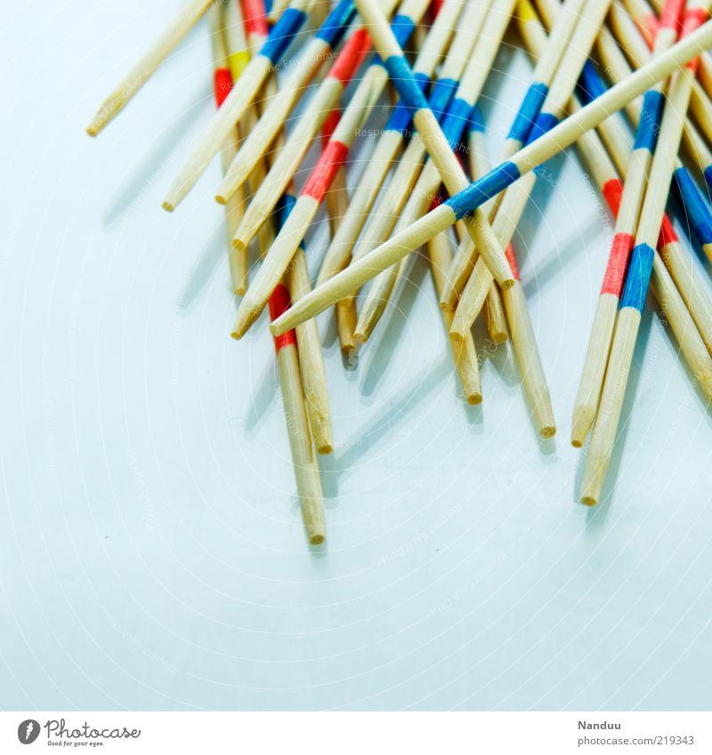 Präzision Spielen Holz Erholung seriös Geschicklichkeit Mikado Stab Spielzeug konventionell Makroaufnahme Menschenleer Detailaufnahme Haufen Farbfoto