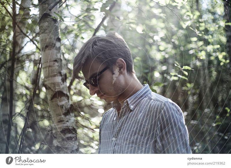 he Mensch Natur Jugendliche schön Baum Sommer Einsamkeit ruhig Erwachsene Erholung Umwelt Freiheit Traurigkeit Stil träumen Zeit