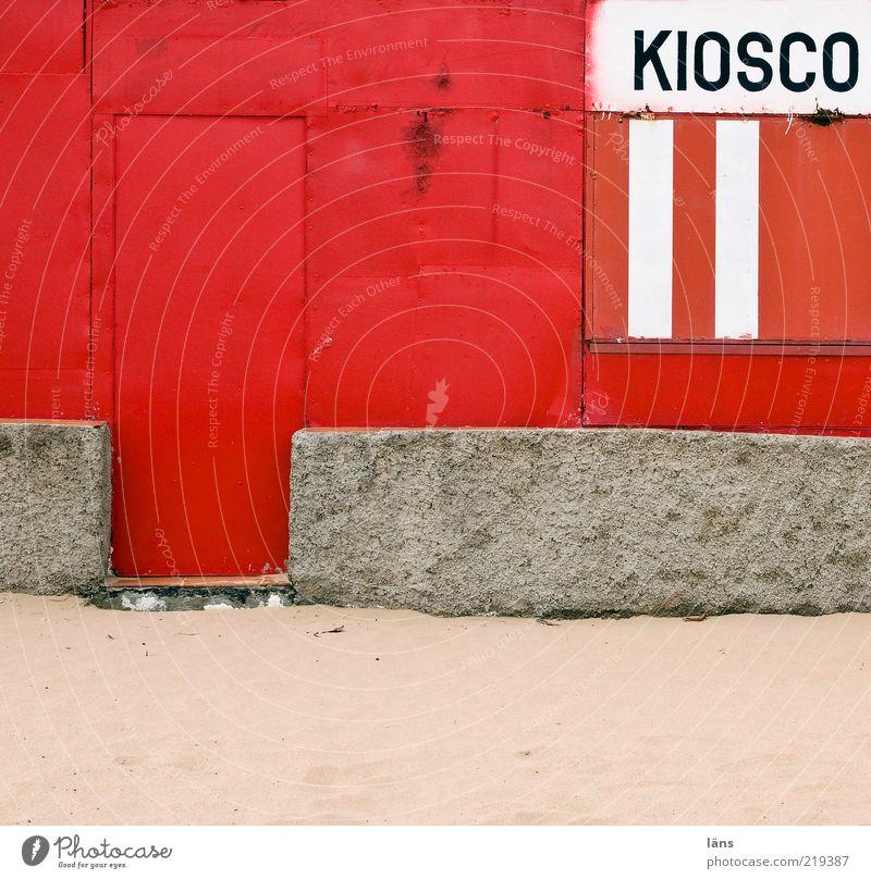 KIOSCO alt weiß rot grau Mauer Sand Metall Tür Beton geschlossen authentisch Anschnitt Bildausschnitt Siesta Buden u. Stände