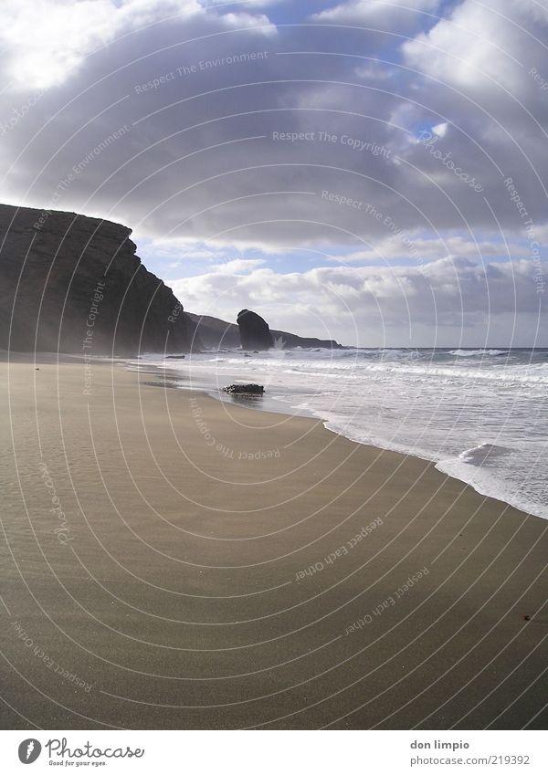 wilder strand Meer Sommer Strand Ferien & Urlaub & Reisen ruhig Ferne Freiheit Landschaft Stimmung Küste Wellen Umwelt Horizont Felsen Insel fantastisch