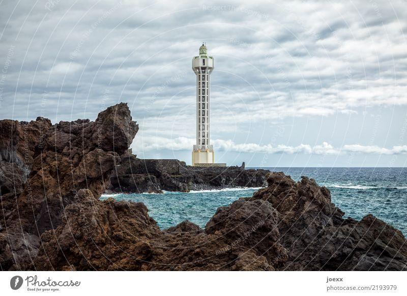 Faro de Punta Lava Landschaft Wasser Himmel Horizont Schönes Wetter Felsen Wellen Küste Meer Insel La Palma Camino Las Hoyas Spanien Dorf Leuchtturm Architektur