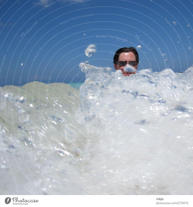 die perfekte Welle blau Wasser weiß Sonne Ferien & Urlaub & Reisen Sommer Meer Freude Leben Kopf Stimmung Wellen Schwimmen & Baden Wassertropfen Tourismus Urelemente