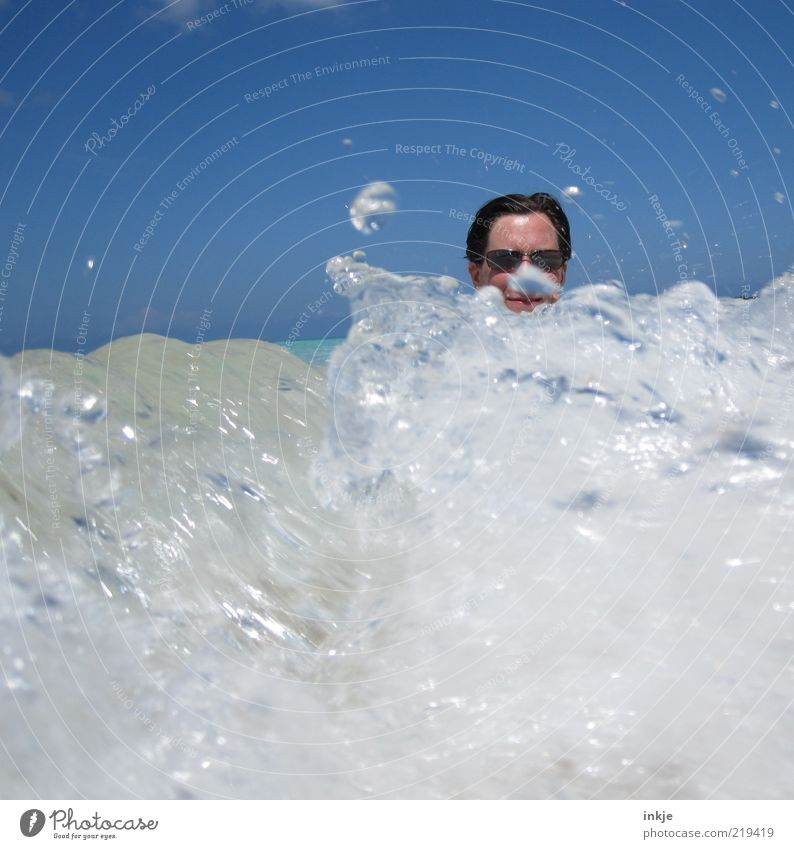 die perfekte Welle Freude Leben Sinnesorgane Schwimmen & Baden Ferien & Urlaub & Reisen Tourismus Sommerurlaub Sonne Meer Wellen Kopf Urelemente Wasser