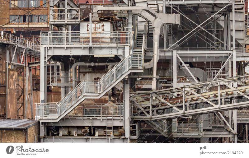 rundown industrial scenery alt Pflanze Hintergrundbild braun Metall Treppe dreckig historisch Verfall Rost Stahl Gerät schäbig Maschine gepunktet Gewerbe