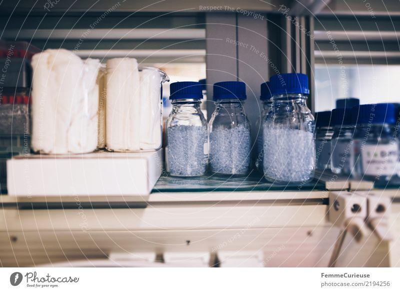 Science is beautiful (10) Wissenschaften Fortschritt Zukunft Labor Babyfläschchen Flasche Granulat Behälter u. Gefäße Laborschrank Regal Farbfoto Innenaufnahme