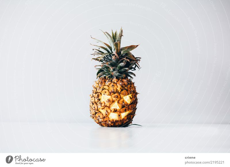Gruselige Ananas Halloween Kürbis - ein lizenzfreies Stock Foto von ...