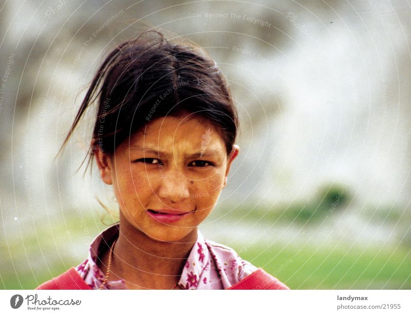 mädchen Kind Mädchen Wind Lippen Indien Nepal Himalaya