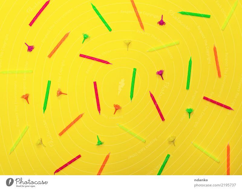 Hintergrund mit Wachskerzen Freude Dekoration & Verzierung Feste & Feiern Geburtstag Kerze hell gelb grün rosa rot Überraschung Farbe Glück Idee orange Party