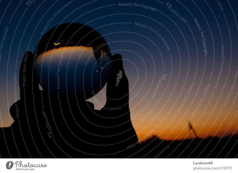 Im Osten geht die Sonne auf Himmel Sonnenaufgang Sonnenuntergang Sommer Gedeckte Farben Außenaufnahme Experiment Textfreiraum rechts Morgendämmerung Licht