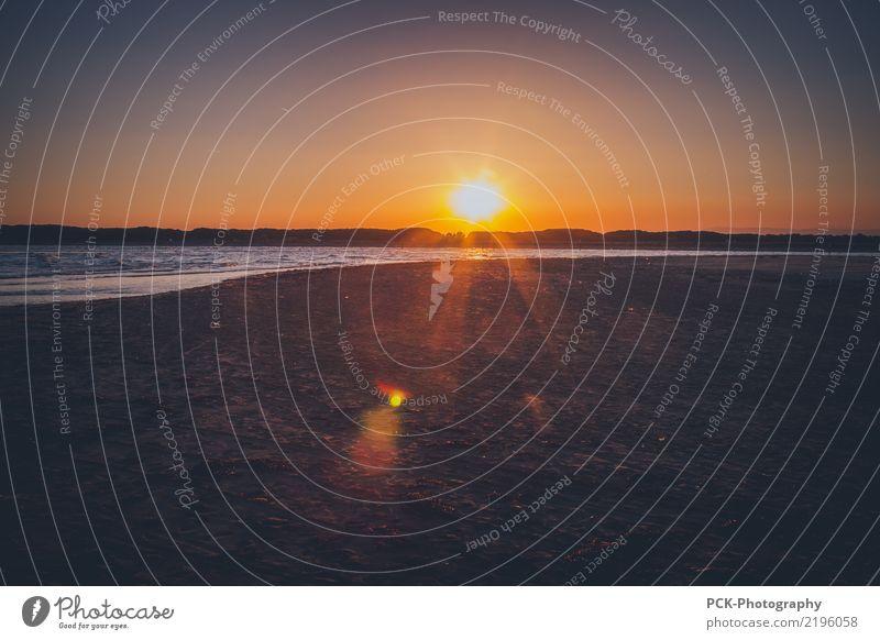 Sonnenuntergang am Meer Sommer Einsamkeit Ferne Reisefotografie Herbst Küste Schwimmen & Baden Horizont Wetter Wellen Abenteuer Schönes Wetter Klima Seeufer
