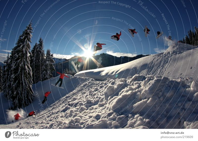 360 Gap Himmel blau Sonne Winter kalt Schnee Stil springen Freizeit & Hobby Aktion verrückt hoch Abheben Mut Reihe Tanne