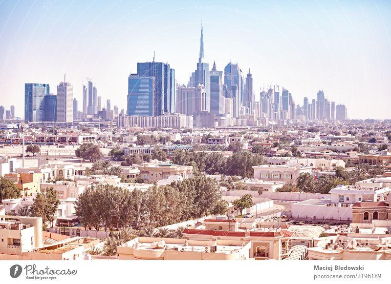 Dubai Skyline Wohnung Haus Büro Stadtzentrum Hochhaus Gebäude modern reich Großstadt Stadtbild gefiltert Business District Reiseziel altehrwürdig Hotel Turm