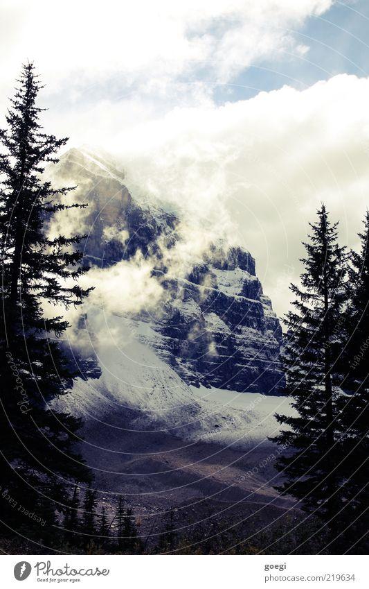 plain of the six I Umwelt Natur Landschaft Himmel Wolken Herbst Eis Frost Schnee Baum Wald Felsen Berge u. Gebirge Gipfel Schneebedeckte Gipfel Kanada kalt