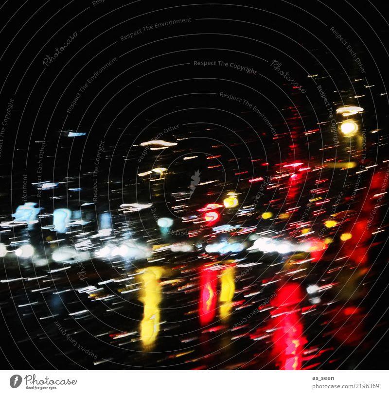 Regenlicht Weihnachten & Advent Stadt Farbe rot Winter dunkel schwarz Straße Leben gelb Herbst Autofenster Gefühle Party Stadtleben