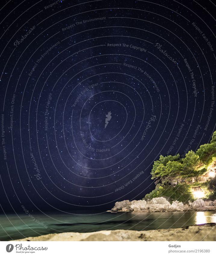 Milchstraße | Glyfada Beach | Nacht | Natur Ferien & Urlaub & Reisen blau Sommer grün Wasser Landschaft Meer ruhig Strand schwarz gelb Küste grau Felsen träumen