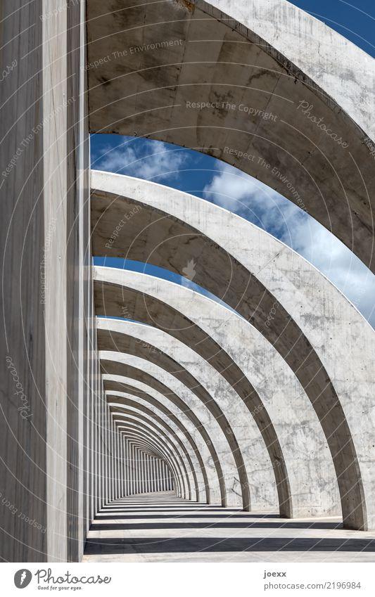 Zebra color Himmel Bauwerk Mauer Wand Beton eckig gigantisch groß hoch rund blau grau schwarz weiß Zufriedenheit Kraft Farbfoto Gedeckte Farben Außenaufnahme