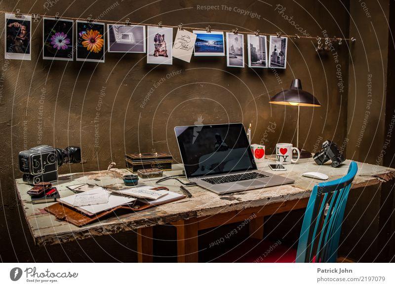 Vintage Workspace Lifestyle Innenarchitektur Stil Stimmung Wohnung Büro Dekoration & Verzierung einzigartig schreiben Internet Möbel Fotokamera Medien