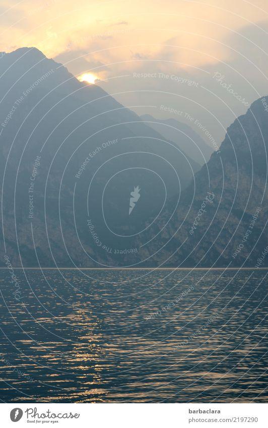 Schifffahrt Ferien & Urlaub & Reisen Ausflug Urelemente Erde Wasser Himmel Sonne Berge u. Gebirge See Gardasee fahren genießen leuchten Stimmung Freiheit