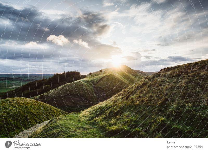 Sonnenuntergang über Mam Tor Himmel Natur Ferien & Urlaub & Reisen Sommer schön grün Landschaft Erholung Wolken ruhig Ferne Berge u. Gebirge Lifestyle Wärme