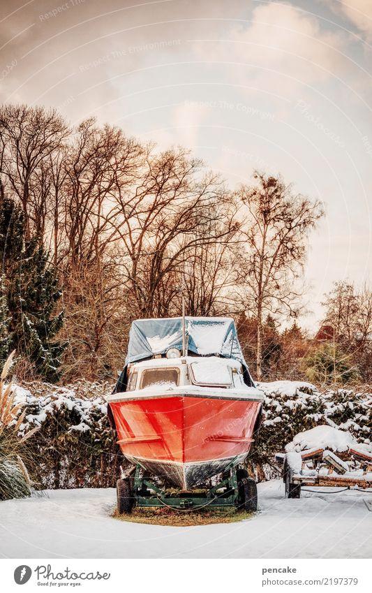 schneeblind Himmel Natur rot Winter Schnee Wasserfahrzeug Park Eis Frost Schifffahrt Reichtum Parkplatz parken Abdeckung Motorboot Winterschlaf
