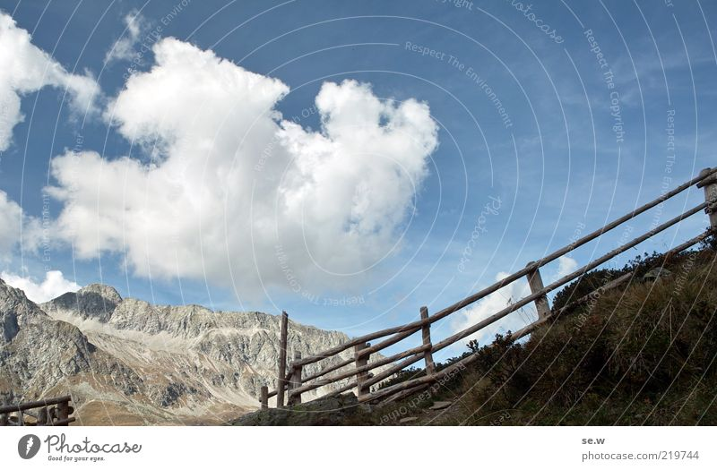 Grenzübergang ...... | Antholz [16] Himmel Wolken Sommer Herbst Schönes Wetter Alpen Berge u. Gebirge Antholzer Tal Südtirol Staller Sattel Zaun Neugier blau