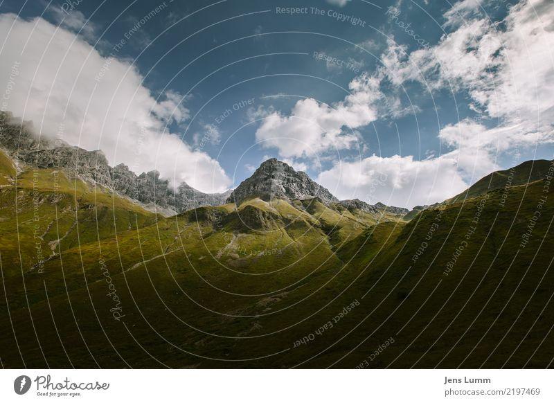 The Almighty Mt. Kirmesgeld Tourismus Berge u. Gebirge wandern Landschaft Wolken Horizont Sommer Schönes Wetter Alpen Muttlerkopf Gipfel blau braun gelb gold