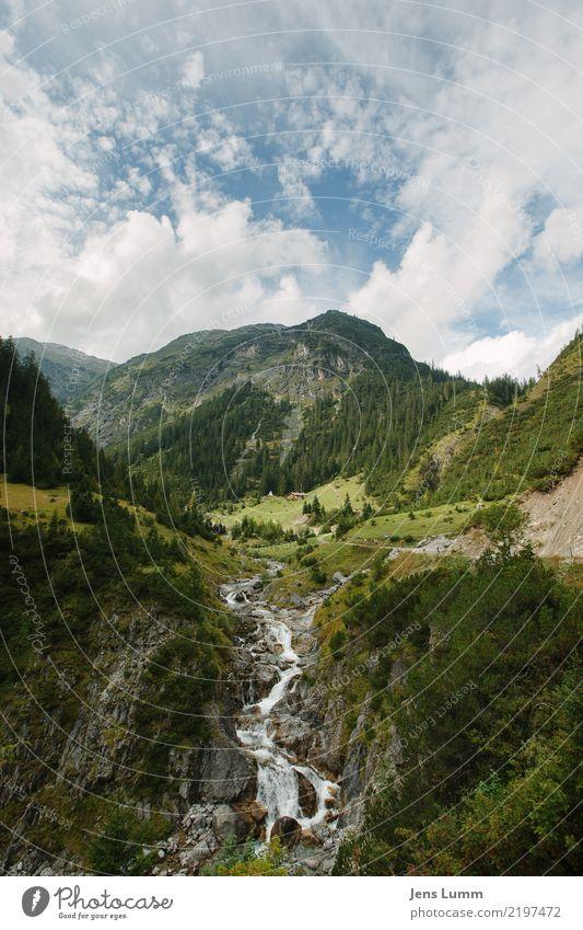 Bergbach bei Holzgau Landschaft Hügel Felsen Alpen Berge u. Gebirge wandern blau braun gelb grau grün Ferien & Urlaub & Reisen Tourismus Ausflug Freiheit Wolken