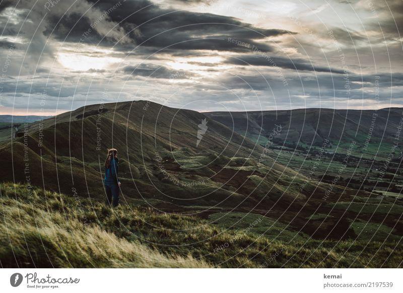 Wunderbare Aussicht hinein ins Eng-Land Mensch Himmel Natur Ferien & Urlaub & Reisen Landschaft Erholung Wolken ruhig Ferne dunkel Lifestyle Leben Freiheit